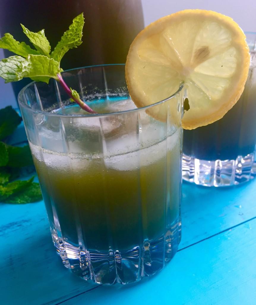 Honey Mint Wheatgrass Lemonade 1 glass