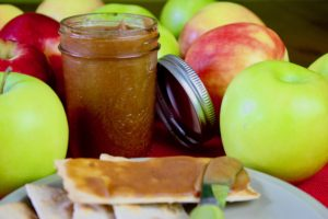 Sugar-Free Apple Butter with Crackers